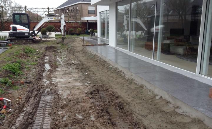 Grondwerken - Uitgraven voor aanleg terras